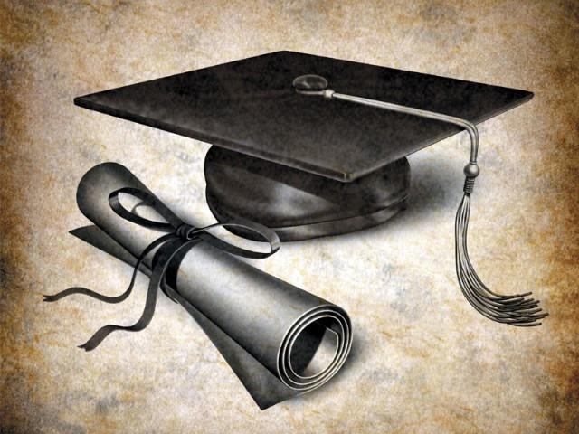 degree-1378413920-472-640x480.jpg